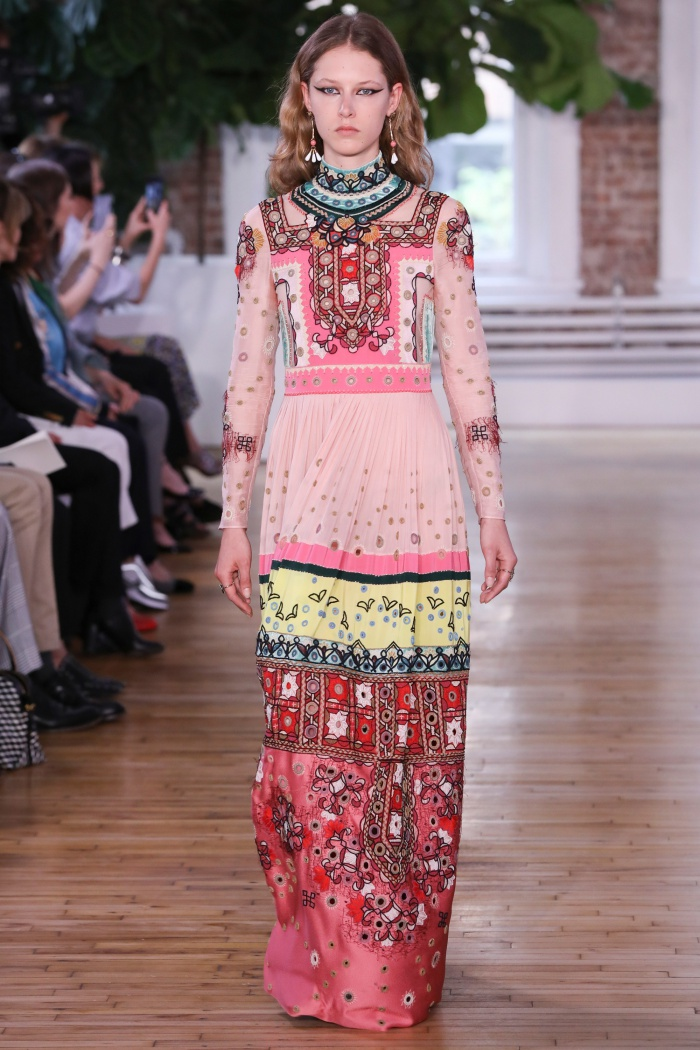 31cede7509e0 Valentino Resort 2018 Collection - Print and Pattern Highlight ...