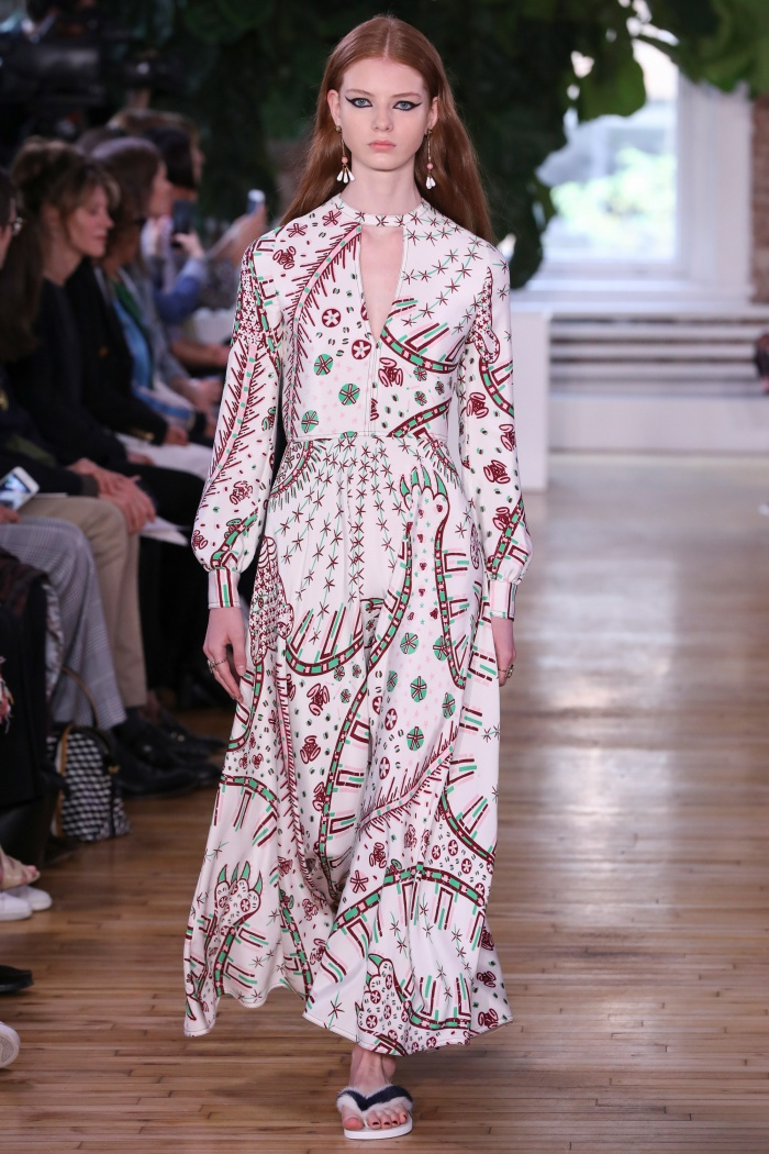 f223cd39ea874 Valentino Resort 2018 Collection - Print and Pattern Highlight ...