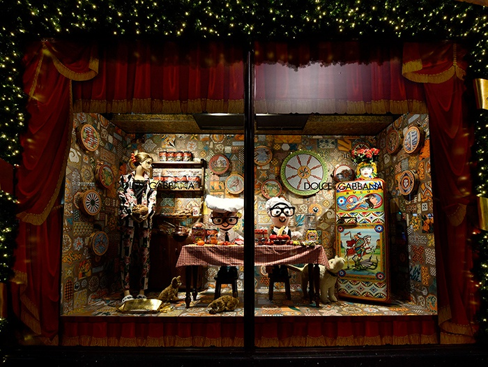 A sicilian christmas smeg dolce gabbana harrods for Door 4 harrods